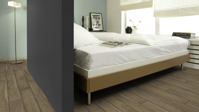 Laminuotos grindys Kaindl Easy Touch Premium 8.0 Riešutas