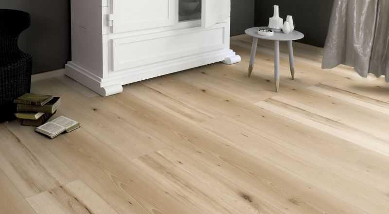 Laminuotos grindys Kaindl Classic Touch Standard 8.0 Bukas