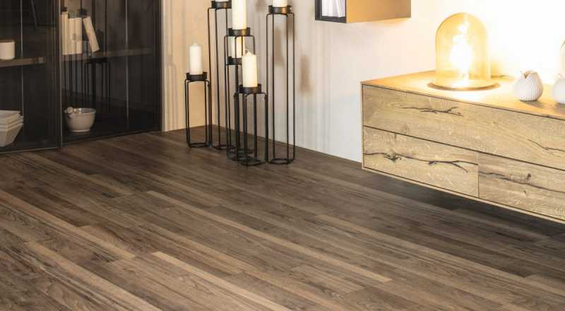 Laminuotos grindys Kaindl Classic Touch Standard 8.0 Riešutas