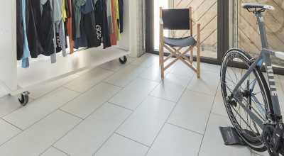 Laminuotos grindys Kaindl Classic Touch Tile 8.0 Slate Lunas