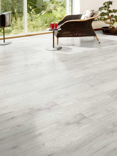 Laminuotos grindys Kaindl Natural Touch Standard 8.0 Hickory Fresno